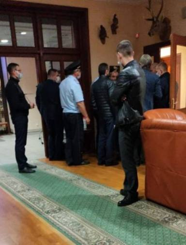 Estas son las imágenes de Till Lindemann (Rammstein) siendo arrestado por la policía rusa