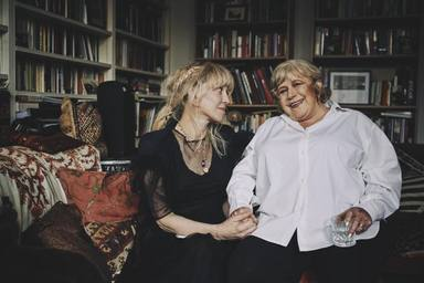 Courtney Love y Marianne Faithfull juntas en su entrevista más íntima