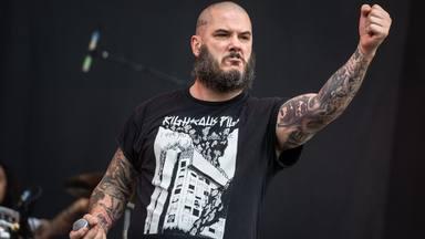"Phil Anselmo (Pantera) se define como ""anti-guerra"": ""Tampoco me gustan las armas"""