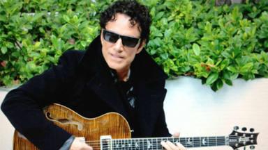 Neal Schon (Journey) recuerda la increíble oferta de Eric Clapton que acabó de la forma más violenta posible