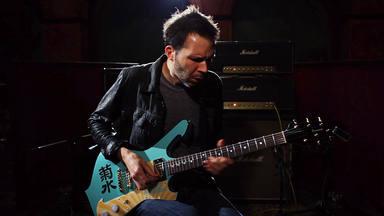 """La preocupación de Paul Gilbert (Mr. Big) por las influencias """"peligrosas"""" de los nuevos guitarristas"""