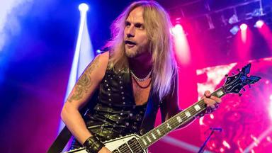 Richie Faulkner, guitarrista de Judas Priest, estable después de su seria cirugía cardíaca