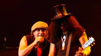 "Slash (Guns N' Roses) no sabía que Bon Scott había muerto cuando ""estrenó"" 'Back in Black' de AC/DC"