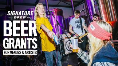 Cerveza gratis: el increíble detalle de una cervecería inglesa con las pequeñas salas de conciertos