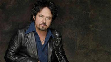 """Steve Lukather (Toto) reconoce que el solo de """"Hold the Line"""" era un homenaje a Queen: """"La cagué grabándolo"""""""
