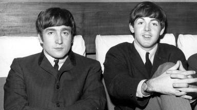 """Paul McCartney desvela la respuesta que dio a la pregunta de Lennon: """"¿Me recordarán cuando haya muerto?"""""""