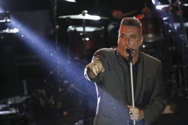 Loquilla se ha visto obligado a bajar del escenario después de las dos primeras canciones
