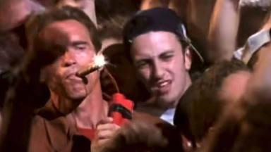 ¿En qué videoclip de AC/DC aparecen juntos Arnold Schwarzenegger y el bajista de System of a Down?