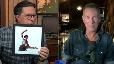La confusa reacción de Bruce Springsteen cuando se entera de que tiene su propio emoji