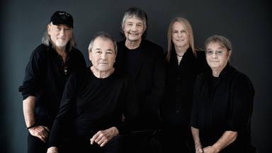 Deep Purple publicarán un disco de versiones llamado 'Turning To Crime'.