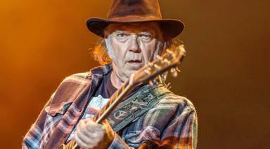 """El Neil Young """"con más conciencia social"""" vuelve a deleitarnos con su último lanzamiento"""