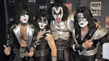"""El mánager de Kiss confirma que sus miembros originales """"aparecerán"""" antes de que la banda se retire"""