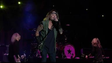 """Mira Vince Neil interpretar varios clásicos de Mötley Crüe a menos de un año de """"The Stadium Tour"""""""