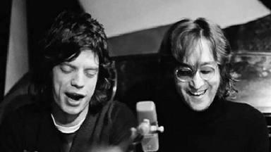 Mick Jagger (The Rolling Stones) con John Lennon (The Beatles)