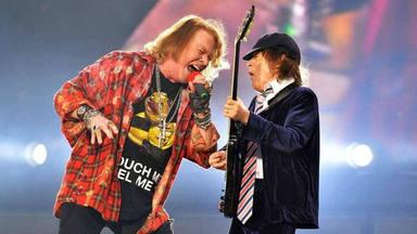 """Axl Rose trabajó muy duro para tocar con AC/DC, según Chris Slade: """"Calentaba dos horas todos los días"""""""