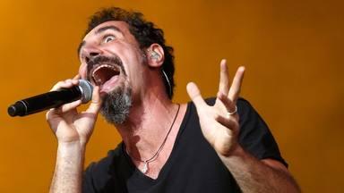 Serj Tankian (System of a Down) presenta el vídeo animado de su loco proyecto de piano y poesía