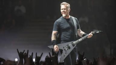 """James Hetfield (Metallica) desvela cuántas púas usa en cada concierto: """"Las dejo molidas"""""""