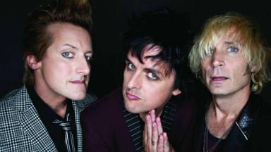 Los miembros de Green Day posan juntos