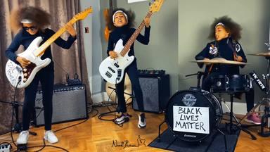 Esta niña de 10 años interpreta un tema de Rage Against the Machine para luchar contra el racismo