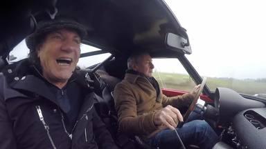 Así reaccionó Brian Johnson (AC/DC) cuando Nick Mason (Pink Floyd) le dio una vuelta en su Ferrari