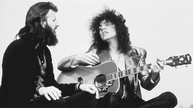 Ringo Starr de The Beatles junto a Marc Bolan de T. Rex.