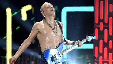 Phil Collen (Def Leppard) desvela la importancia que tuvo Brian May en el sonido de su guitarra