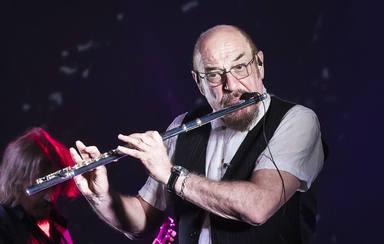 La insólita manera en la que Ian Anderson (Jethro Tull) descubrió que no sabía tocar bien la flauta