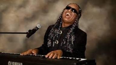 Stevie Wonder, 70 cumpleaños en RockFM Motel con Rodrigo Contreras