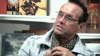 """Ross Halfin, desvela que le ofrecieron mucho dinero por """"hacer miserable"""" a este conocido cantante"""