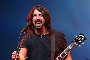 """Dave Grohl se ríe de Foo Fighters y el meme de """"The Best of You"""" en su última aparición televisiva"""