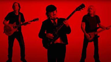 """¿Han pasado AC/DC la """"prueba de fuego"""" con """"Shot in the Dark""""?"""