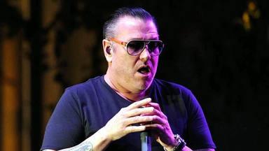 """El vergonzoso concierto de Smash Mouth que ha provocado la retirada de su cantante: """"Voy a matar a tu familia"""""""