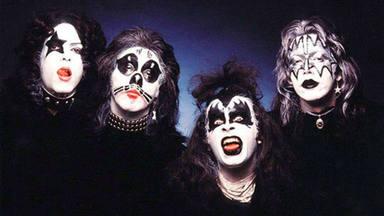 ¿Cómo consiguió Kiss mantener la identidad de sus miembros en secreto durante tantos años?