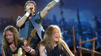 Jimmy Page (Led Zeppelin) desvela cómo le hizo sentir ver a Iron Maiden en directo