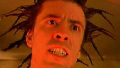 "Dave Grohl en el videoclip de ""Everlong"" de Foo Fighters"