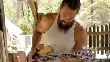 """Jason Momoa (Juego de Tronos, Aquaman) desvela qué banda """"hizo explotar"""" su pasión por el bajo"""