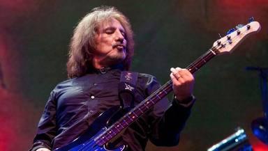 """Geezer Butler (Black Sabbath) está escribiendo su biografía con """"peleas a cuchillo"""" y """"cubos de cocaína"""""""