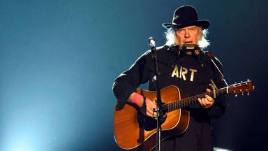 ctv-awx-neil-young-grande