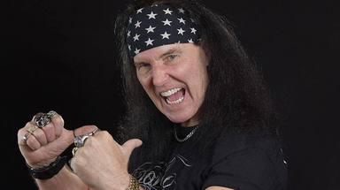 """Dave Evans, primer cantante de AC/DC: """"Cuando Bon Scott entró a la banda estaba acabado"""""""