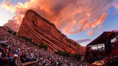 Si vas a este gran recinto a disfrutar de un concierto, podrías salir vacunado