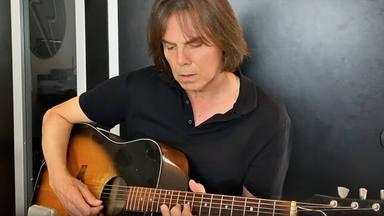 """Joey Tempest (Europe) y su homenaje acústico a Ronnie James Dio cantando """"Heaven and Hell"""" de Black Sabbath"""