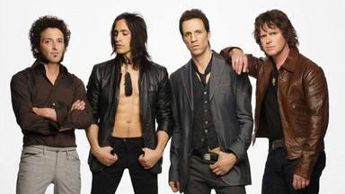 """Nuno Bettencourt y cómo Extreme rompió """"por culpa"""" de """"More Than Words"""": """"Aerosmith nos obligó a tocarla"""""""