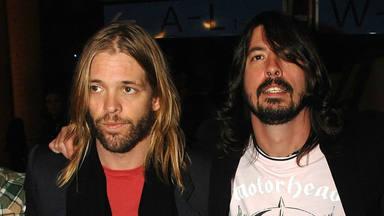 """Taylor Hawkins (Foo Fighters) desvela el nombre del rockero que """"podía cantar como Bowie o como Axl Rose"""""""