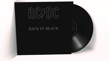 Gracias a las copias vendidas del 'Back in Black' de AC/DC podríamos ir de Madrid a Australia