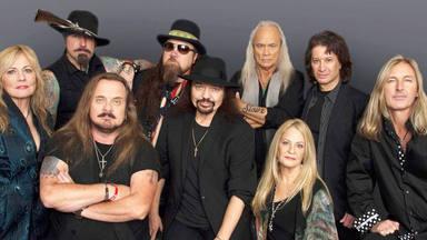 Lynyrd Skynyrd se ven obligados a cancelar cuatro conciertos después del positivo de su guitarrista