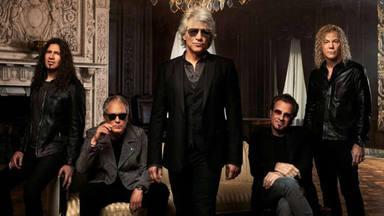 Bon Jovi se suben de nuevo sobre un escenario