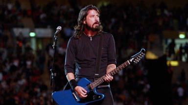 Foo Fighters: decenas de anti-vacunas forman un piquete a la entrada para sabotear su concierto de regreso