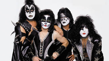 """Kiss lanzan su propia ginebra bajo el nombre de """"Cold Gin""""."""