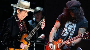 """Cuando Slash (Guns N' Roses) colaboró con Bob Dylan... y salió mal: """"Me arrepiento muchísimo"""""""