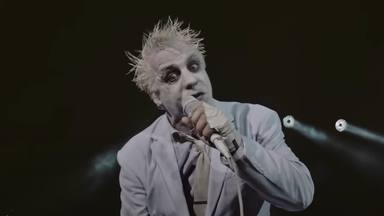 """La increíble batalla de comida del cantante de Rammstein en """"el último concierto de la antigua era"""""""